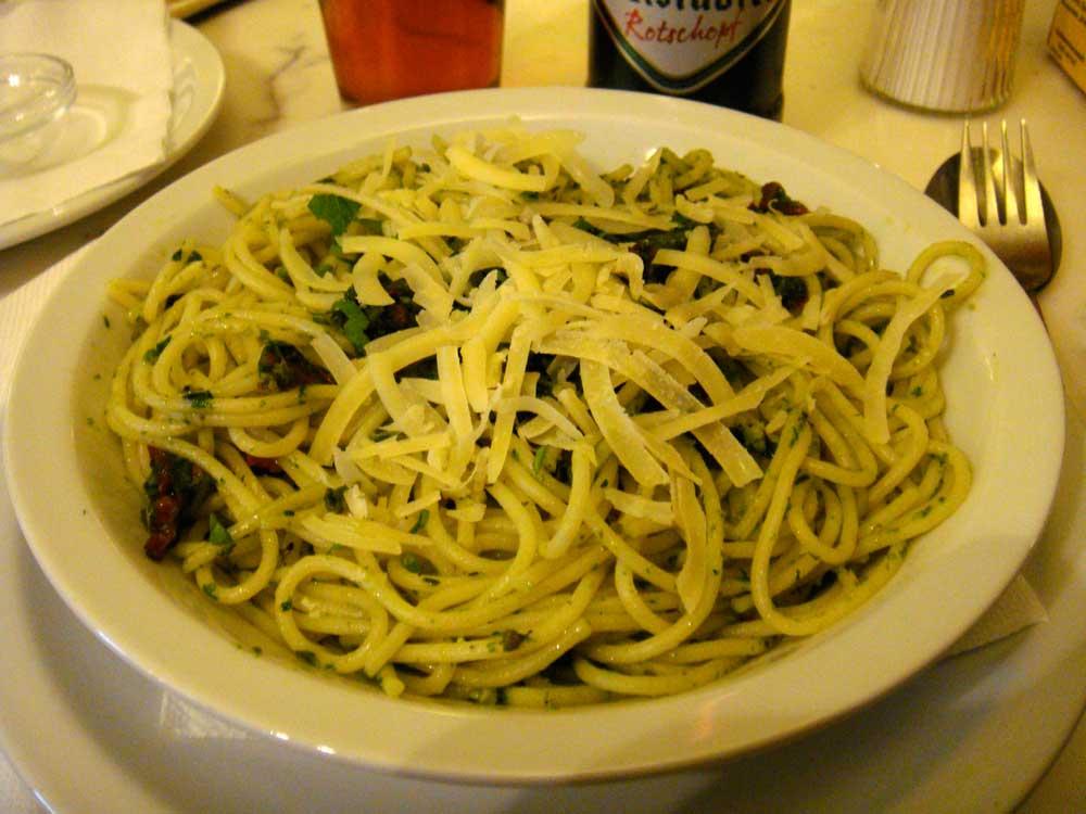spaghetti mit baerlauchpesto