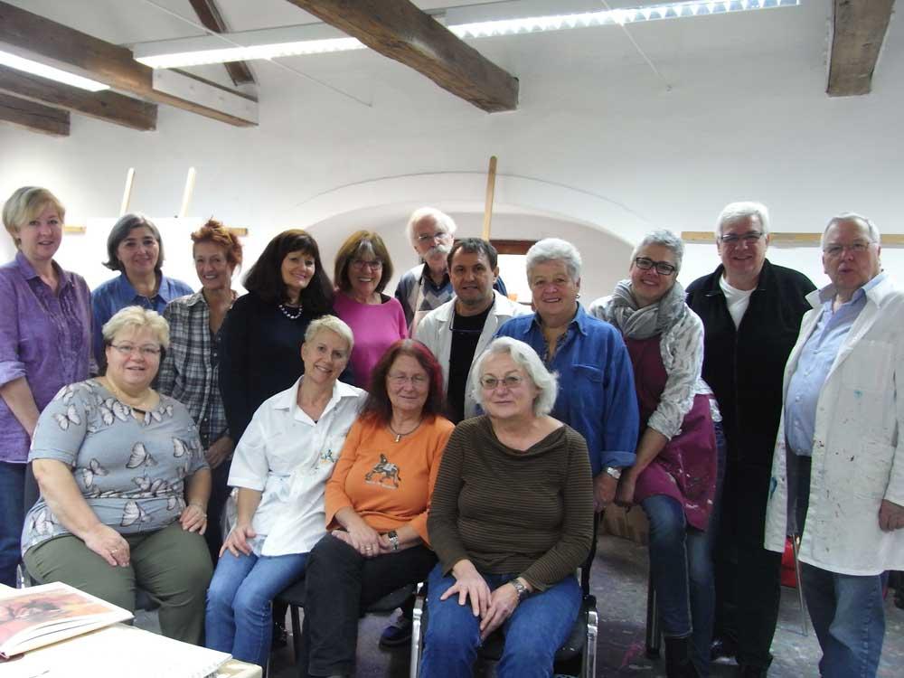 Gruppe mit Meister (Foto: akademie.GERAS)